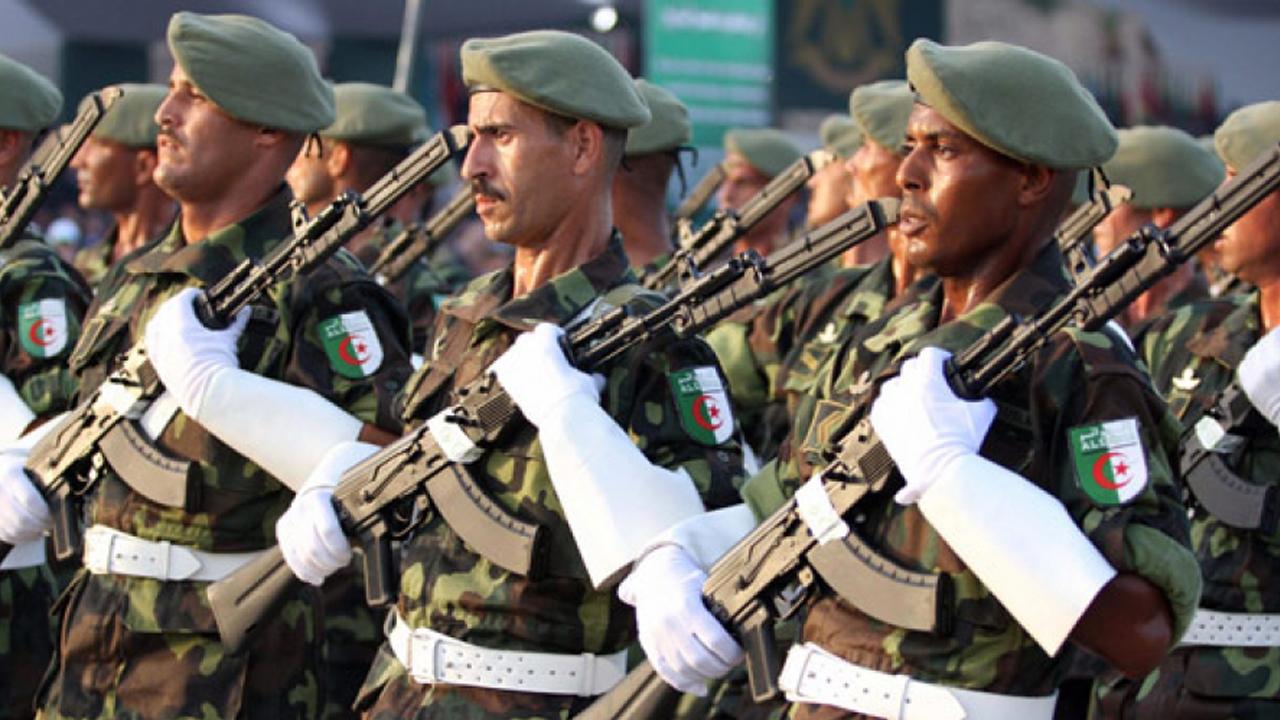العلاقات المدنية العسكرية